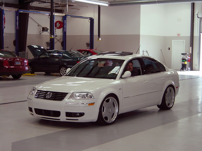This Passat looks great on Benz rims