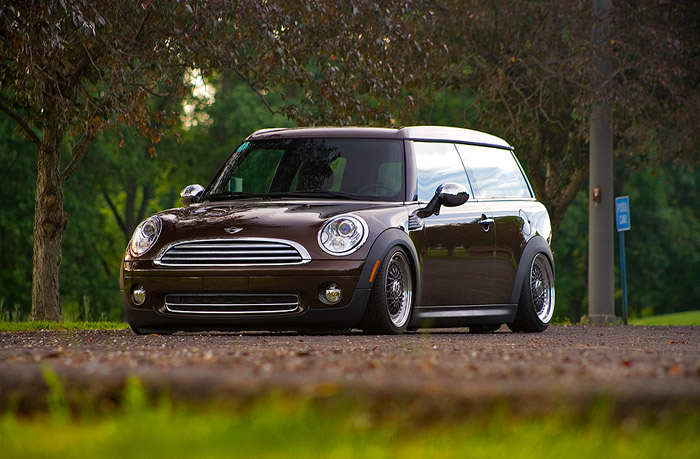Spotted this one on buildthreads.com, bagged minis are apparently pretty rare, they shouldn't be though looks awesome