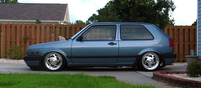 It's fully how early 90s Boyd Coddington (R.I.P.) wheels look dated on minitrucks now but alright on this Golf