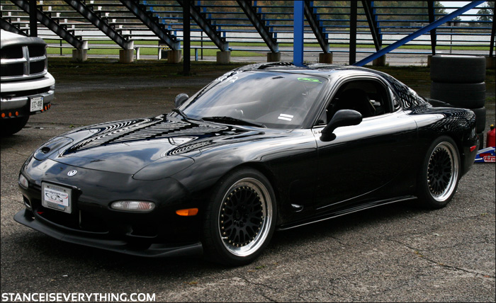 I think I saw this beautiful rx-7 run a few laps