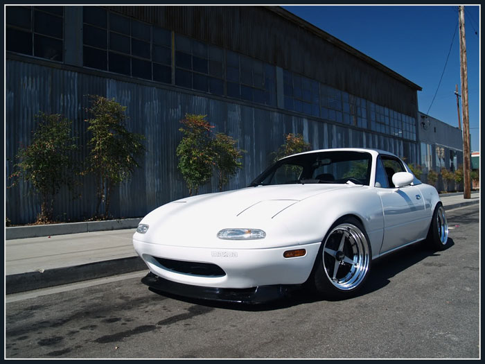 More 4 spoke Miata hotness