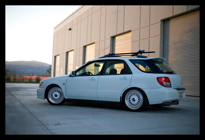 I'm normally not a huge fan of roof racks however Brian pulls it off quite well