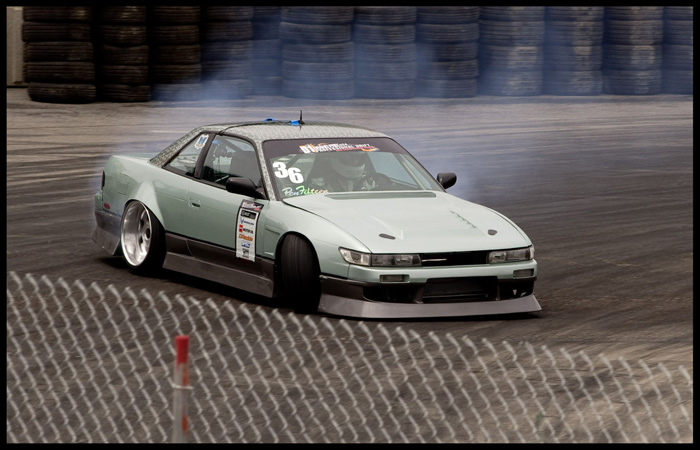 Who said you can't rock wide dish and kick  it sideways?