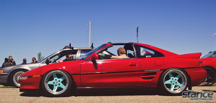 2013_stretch_and_poke_fitted_rollin_toyota_mr2_work_equip