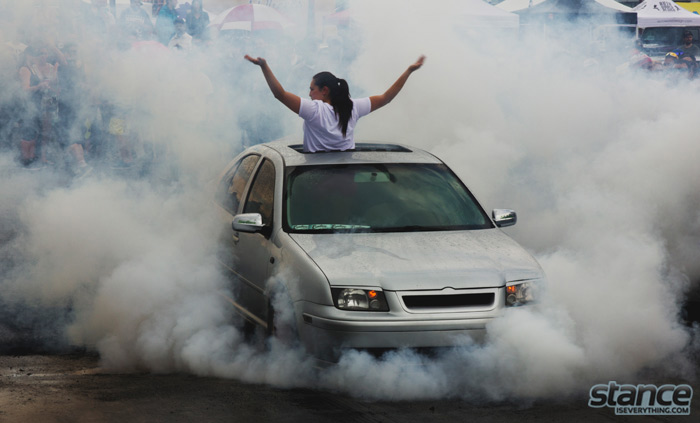 jetta_burnout_girl