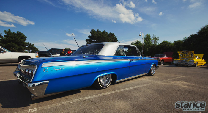 majestics_bbq_2013_chevy_impala_blue_flake_2