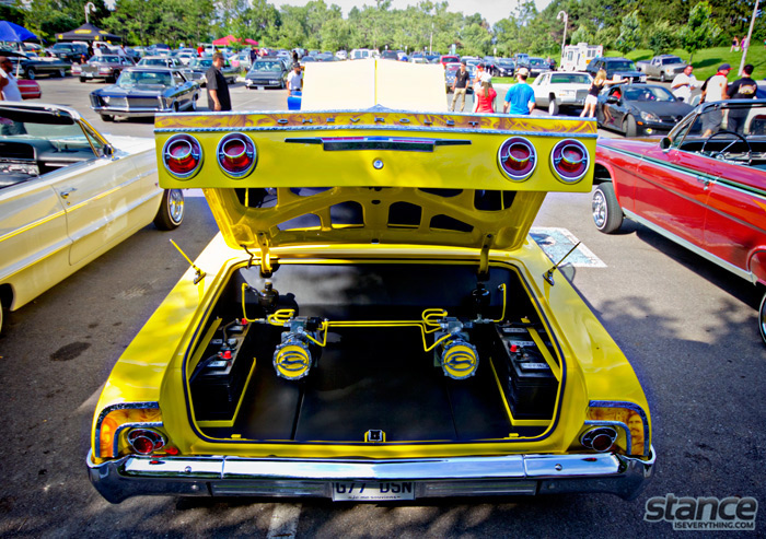 majestics_bbq_2013_yellow_64_impala_trunk