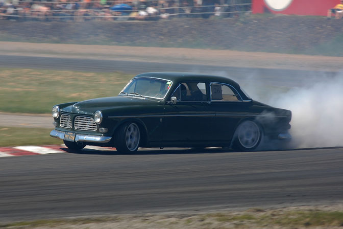 non_typical_drift_14_volvo_amazon_norway