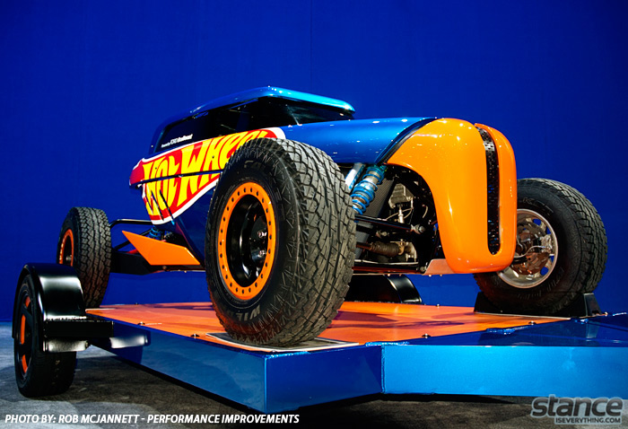 sema_2013_ford_booth_hotwheels