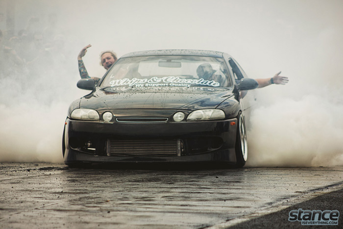 eurokracy_2013_burnout_whips_and_chocolate_2_700px