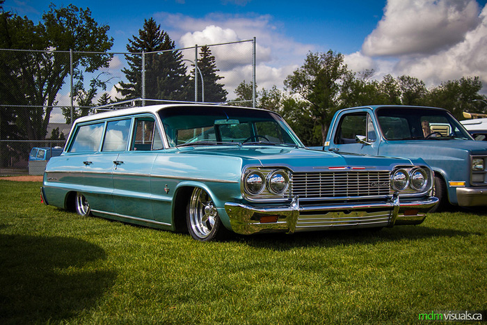 batte_at_the_bridge_chevy_impala_wagon