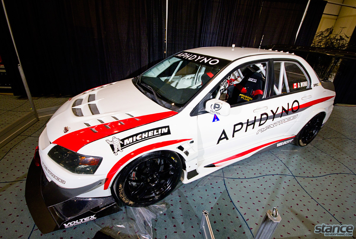 canadian_international_auto_show_2014_mitsubishi_evo_aph