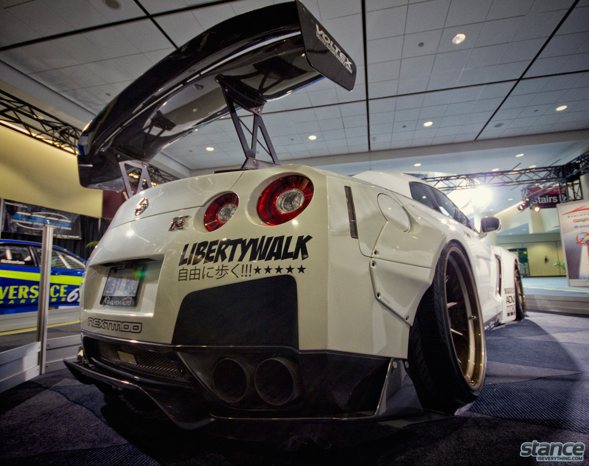 canadian_international_auto_show_2014_nissan_gtr_libertywalk_nextmod_rear