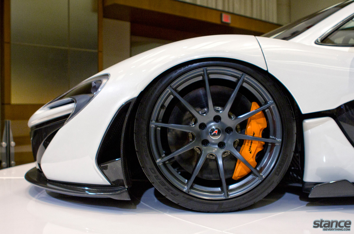 canadian_international_auto_show_2014_pfaff_mclaren_p1_front