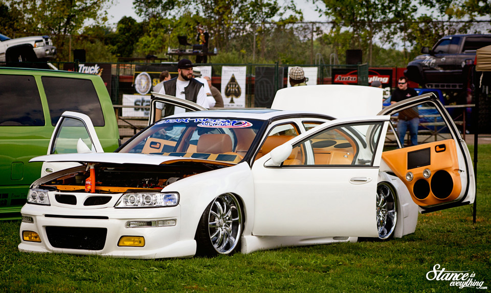 2014-reunited-car-show-nissan-maxima-1