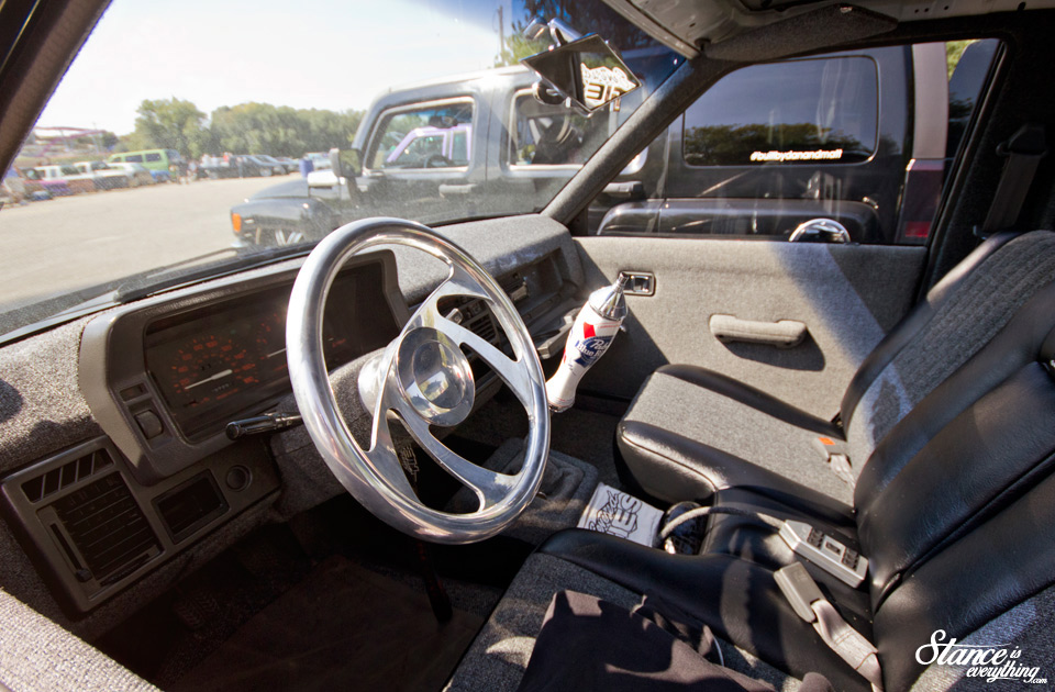 northern-showdown-pabst-truck-interior