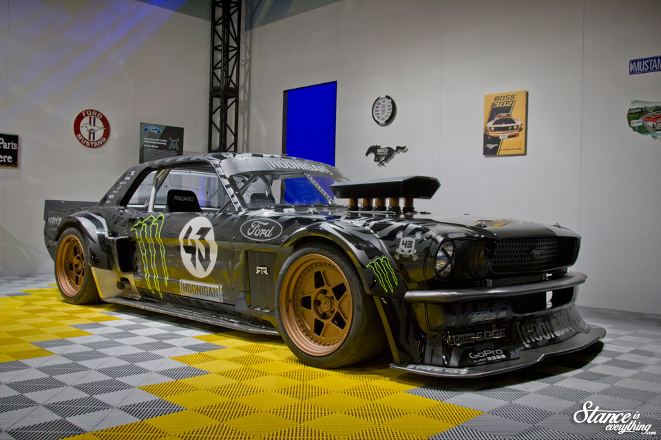 sema-2014-hoonicornrtr-front-three-quarter