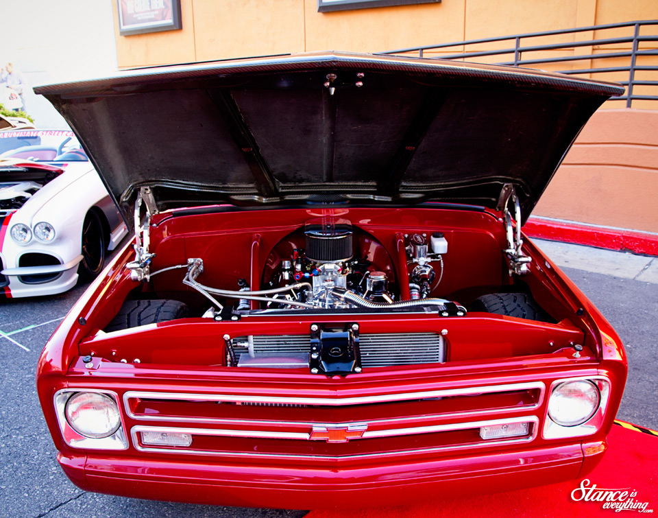 sema-2014-optima-alley-c10-engine-bay-1