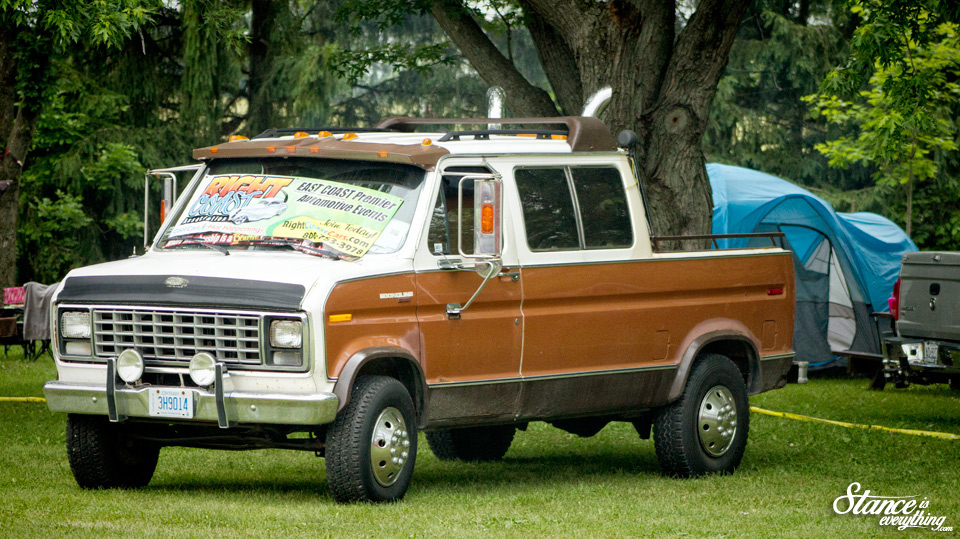 vanfest-2015-lifed-ford-van-pickup