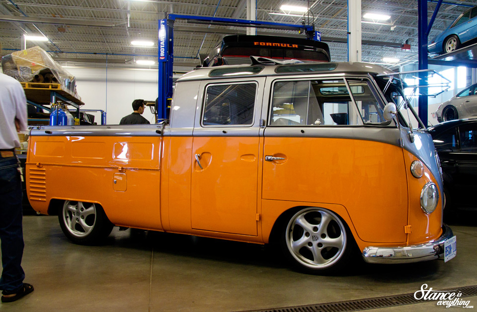 cars-and-coffee-toronto-vw-bus-1