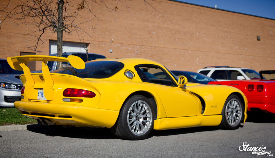 cars-and-coffee-toronto-viper