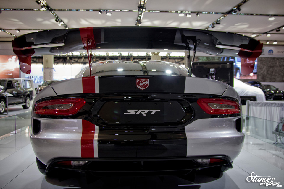 2016-canadian-international-auto-show-dodge-viper-acr-1