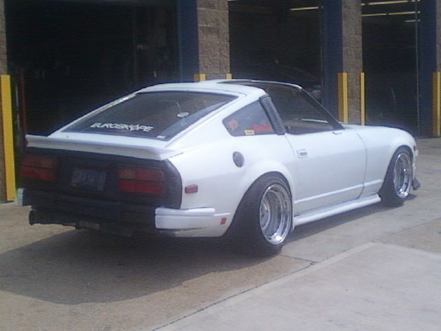This photo is pretty potato, but before putting together his awesome Volvo @awful_hero had this z31