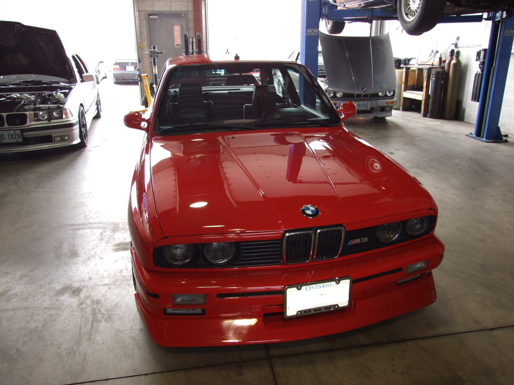 A Beautiful e30 m3 inside the Bimmersport shop