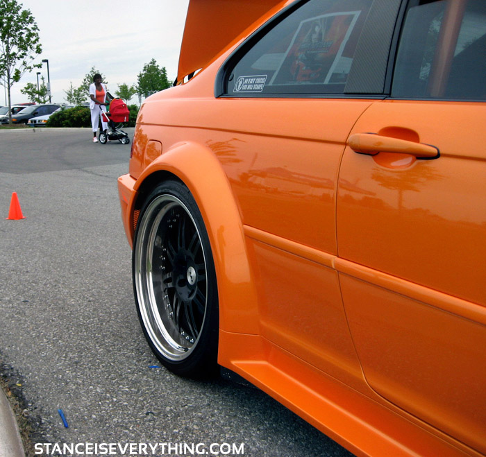 Closer shot of the widebody/rim fitment
