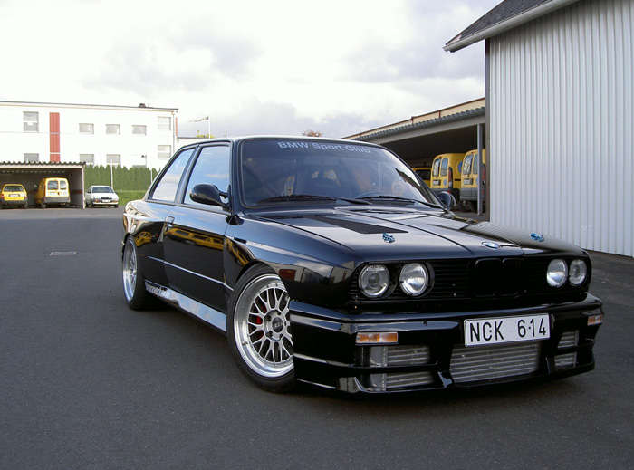 This e30 is a beast, a sexy beast