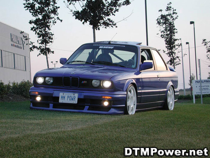 Very few people set  e30s up like this these days but in the late 90s and early 2000s this was how  it was done