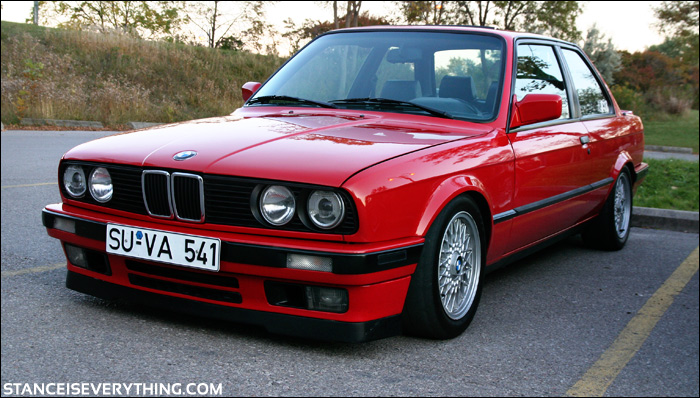 Perhaps the cleanest e30 at the meet