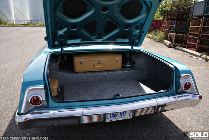 The trunk in full steal mode with the air ride setup neatly tucked away