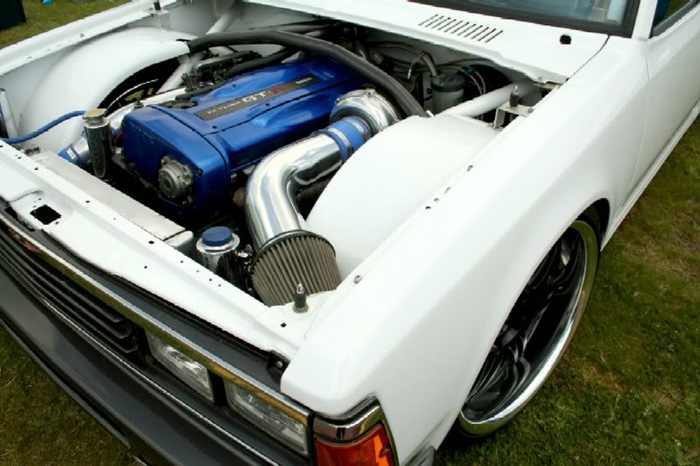Closer look at the engine bay