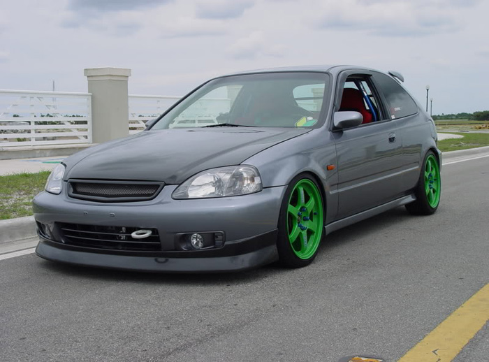 Without these green wheels this could be just another civic
