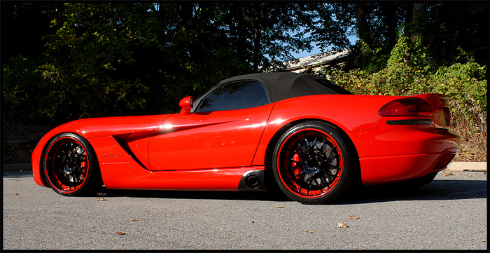 This Viper (srt-10) is rocking painted lips and barrels