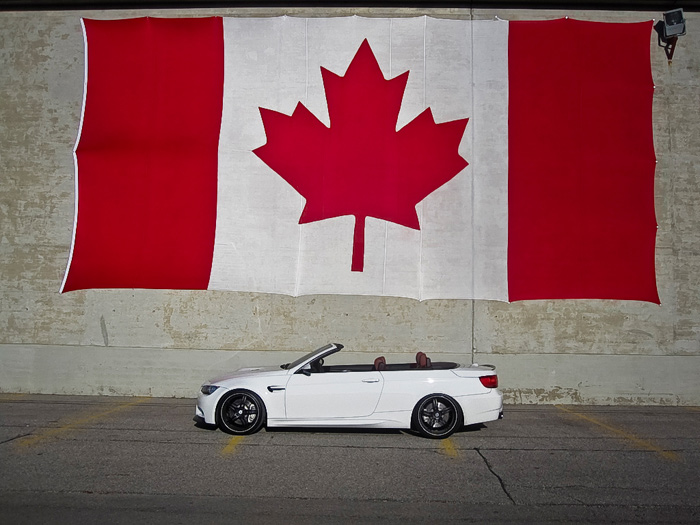 That's a GIANT Canadian flag damn!