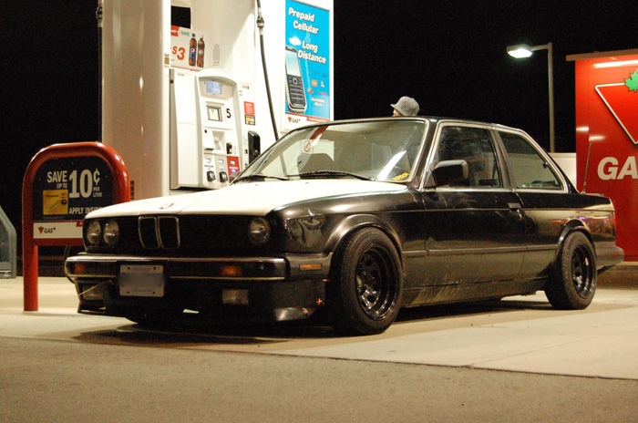 The Diamond Racing steelies and zip tied air dam are the first tip that Ryan isn't the average e30 owner