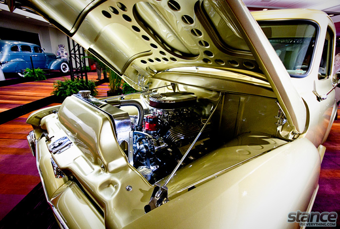 hot_rod_gold_chevy_motor