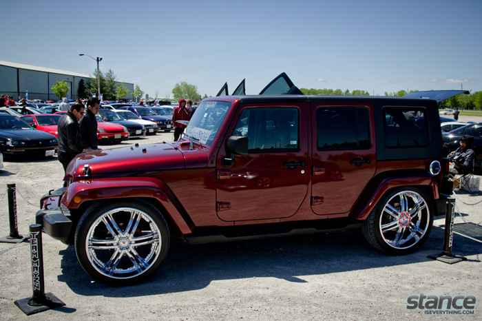 2013_stretch_and_poke_fitted_bagged_jeep