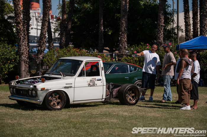 2jz_in_everything_nissan_hilux_1