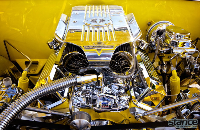 majestics_bbq_2013_yellow_64_impala_engine_bay_2