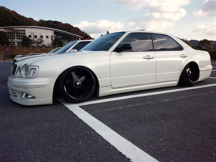 nissan_gloria_white_2