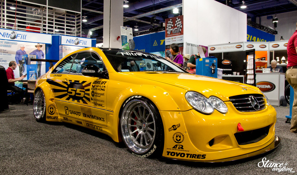 sema-2014-benz-flares-airlift-hre