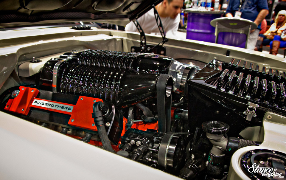 sema-2014-ring-brothers-recoil-under-hood-4