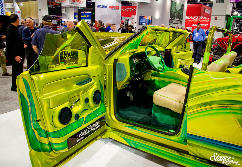 velocity-wheels-truck-sema-2014-interior