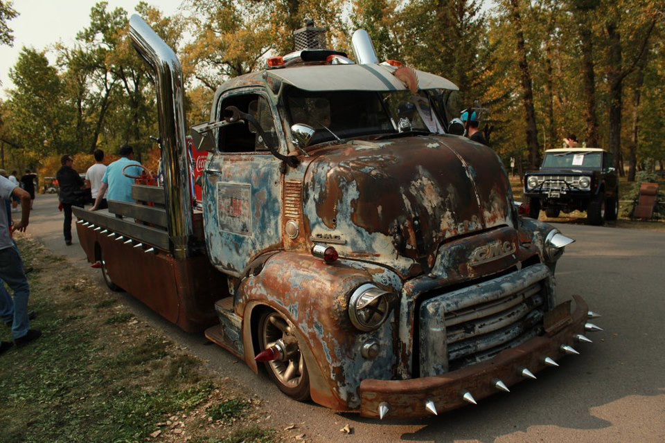 Theme Tuesday: Cab Over Engine Trucks - Stance Is Everything