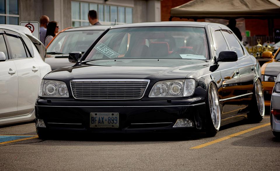 Theme Tuesdays: UCF10 & UCF20 Lexus LS400s