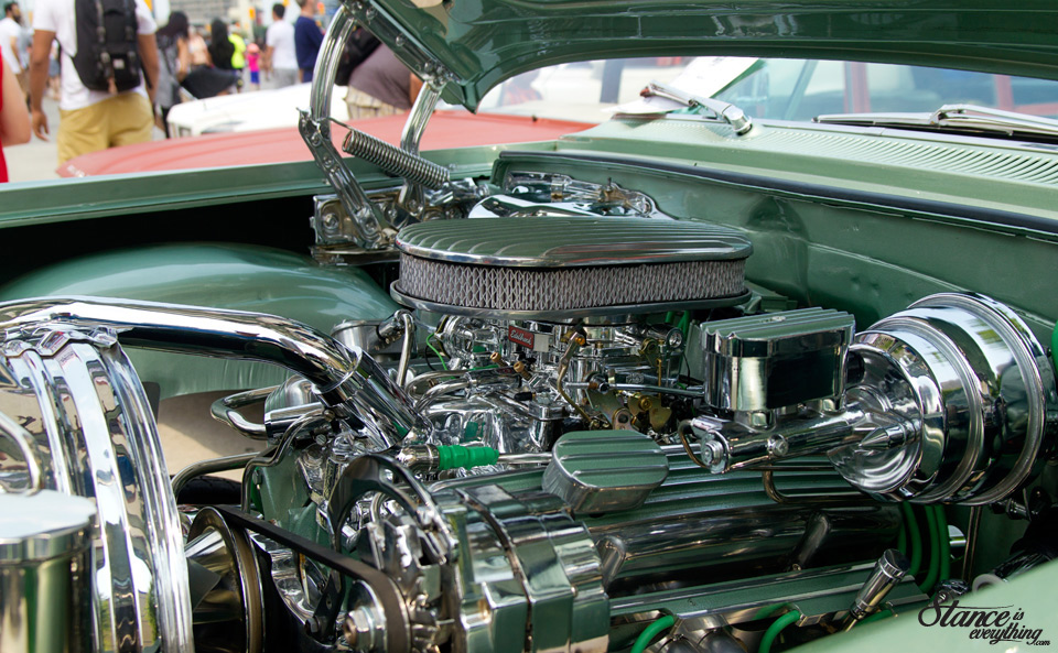 classics-on-the-square-lowrider-motor