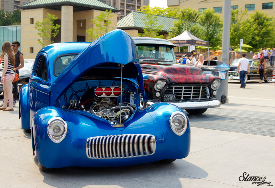 classics-on-the-square-willys-chevy